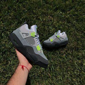 """Jordan 4 """"Neon"""